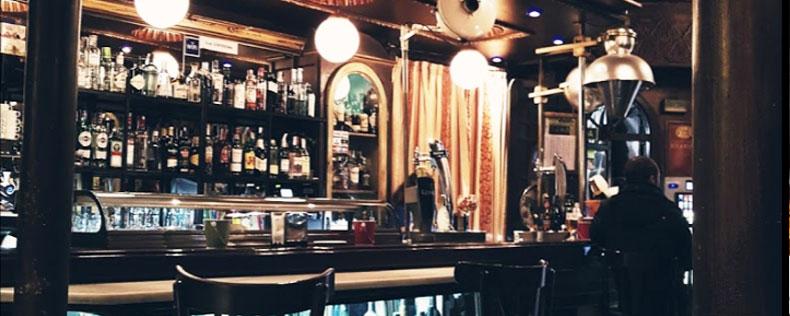 La Barmacia bar de copas en Bilbao