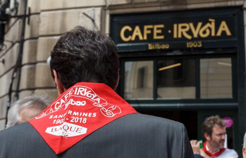 Café Iruña de Bilbao celebrando San Fermín